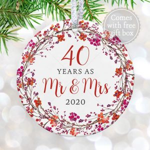 40th Wedding Anniversary 40 Forty Years Married Mr & Mrs 2020 Christmas Ornament Gift for Husband & Wife Tree Decoration – 3″ Fl
