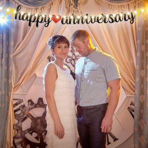 Happy Anniversary Banner Gold and Black Glitter Sign Banner with String Light 8 Flicker Mode, Anniversary Hanging Sign Garland f
