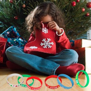 50Pack Christmas Silicone Bracelets, Xmas Rubber Band Bracelets Accessories Gift for Kids, Holiday Decoration Wrist Band Party S